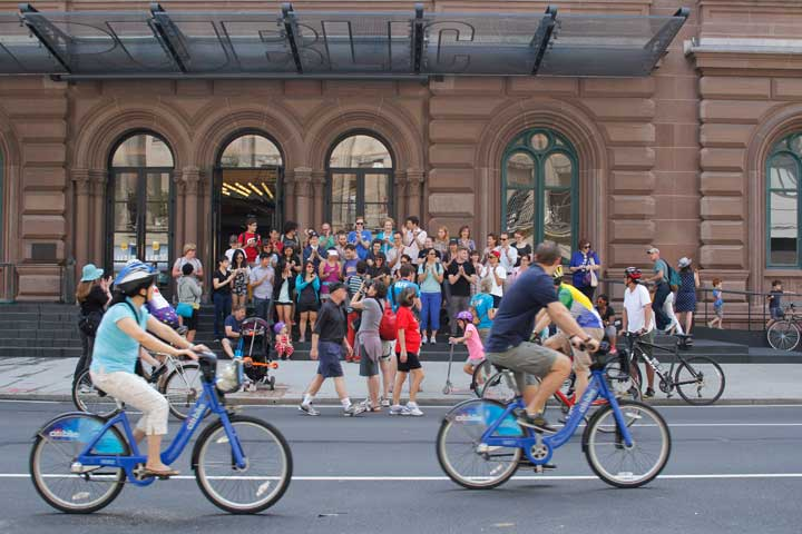 sm_publictheater_bicycles_blue